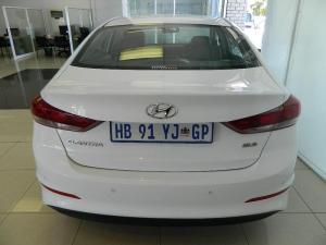 Hyundai Elantra 1.6 Executive - Image 4
