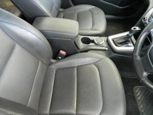 Hyundai Elantra 1.6 Executive - Image 8