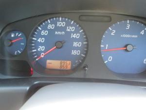 Nissan Hardbody NP300 2.5 TDi LWBS/C - Image 6