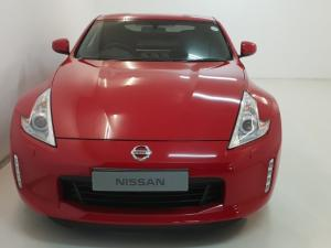 Nissan 370 Z Coupe automatic - Image 2