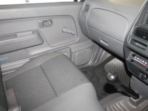 Nissan Hardbody NP300 2.5 TDi LWBS/C - Image 10