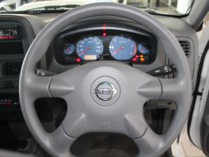 Nissan Hardbody NP300 2.5 TDi LWBS/C - Image 9