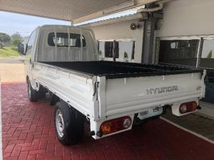 Hyundai H-100 Bakkie 2.5TCi chassis cab - Image 4
