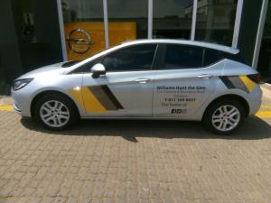 Opel Astra 1.0T Essentia - Image 3