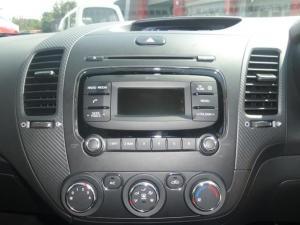 Kia Cerato 1.6 EX 5-Door - Image 7