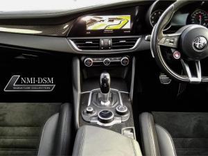 Alfa Romeo Giulia 2.9T V6 Launch Edition QV - Image 4