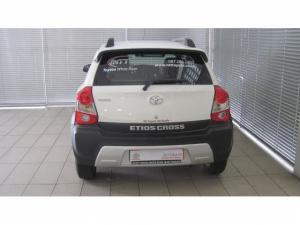 Toyota Etios Cross 1.5 Xs 5-Door - Image 6