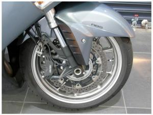 Kawasaki GTR 1400 - Image 2