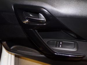 Peugeot 2008 1.2 VTiAccess - Image 9