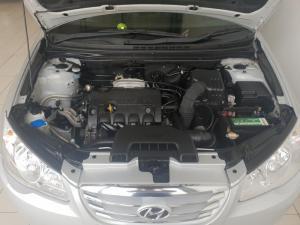 Hyundai Elantra 1.6 - Image 12