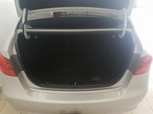 Hyundai Elantra 1.6 - Image 4