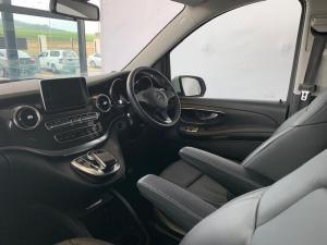 Mercedes-Benz V220 CDI automatic - Image 5