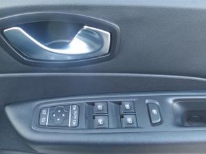Renault Captur 1.2T Dynamique 5-Door - Image 23