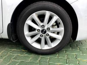 Kia Cerato 1.6 EX 5-Door - Image 5