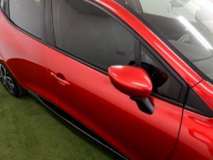 Renault Clio IV 900 T Dynamique 5-Door - Image 32