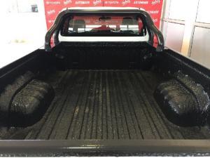 Toyota Hilux 2.0 - Image 10
