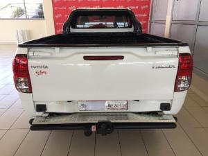 Toyota Hilux 2.0 - Image 5