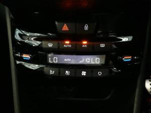 Peugeot 2008 1.2T Puretech GT-LINE automatic - Image 8