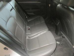 Hyundai Elantra 1.6 Executive automatic - Image 6