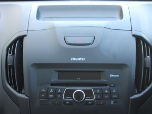 Isuzu D-MAX 250 HO HI-RIDER D/C - Image 9