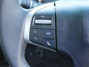 Isuzu D-MAX 300 LX automatic D/C - Image 13