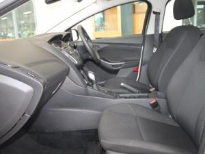 Ford Focus 1.0 Ecoboost Ambiente automatic - Image 8
