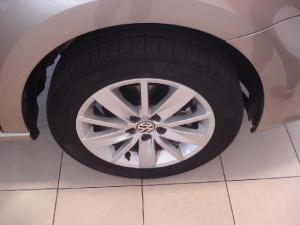 Volkswagen Polo sedan 1.6 Comfortline - Image 5