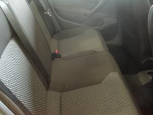 Volkswagen Polo sedan 1.6 Comfortline - Image 2