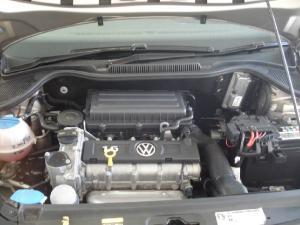 Volkswagen Polo sedan 1.6 Comfortline - Image 4