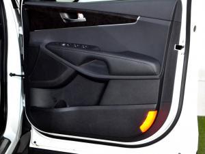 Kia Sorento 2.2D LX automatic - Image 29
