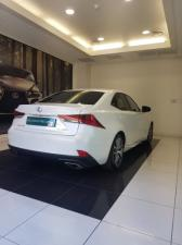 Lexus IS 200T EX/300 EX - Image 4