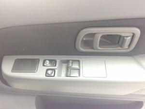 Nissan Hardbody NP300 2.5TDi HI-RIDERS/C - Image 13