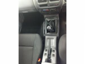 Nissan Hardbody NP300 2.5TDi HI-RIDERS/C - Image 17