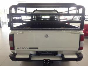 Nissan Hardbody NP300 2.5TDi HI-RIDERS/C - Image 6