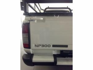 Nissan Hardbody NP300 2.5TDi HI-RIDERS/C - Image 8