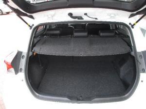 Toyota Auris 1.6 XR CVT - Image 9