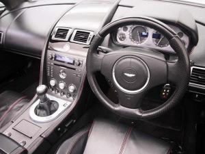 Aston Martin Vantage Roadster - Image 14