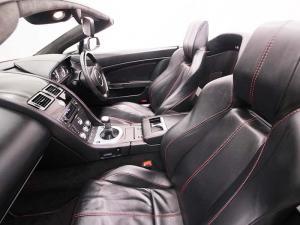Aston Martin Vantage Roadster - Image 8