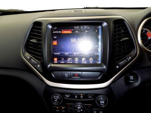 Jeep Cherokee 3.2 Limited automatic - Image 12