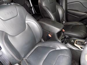 Jeep Cherokee 3.2 Limited automatic - Image 9