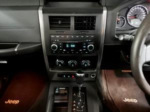 Jeep Cherokee 2.8CRD Sport - Image 10