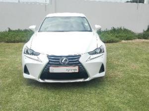 Lexus IS 200T EX/300 EX - Image 2