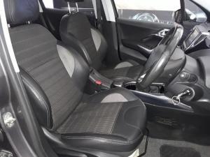 Peugeot 2008 1.6 VTiAllure - Image 9