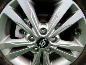 Hyundai Elantra 1.6 Executive - Image 9
