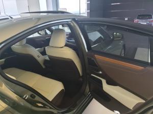 Lexus ES 300h - Image 6