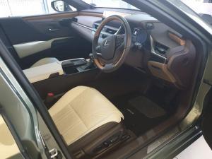 Lexus ES 300h - Image 7