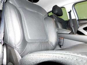 Renault Megane IV 1.2T GT-LINE EDC 5-Door - Image 25