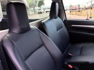 Toyota Hilux 2.4 GDP/U Single Cab - Image 11
