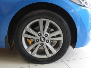 Hyundai Elantra 1.6 Executive automatic - Image 7