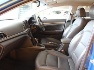 Hyundai Elantra 1.6 Executive automatic - Image 9